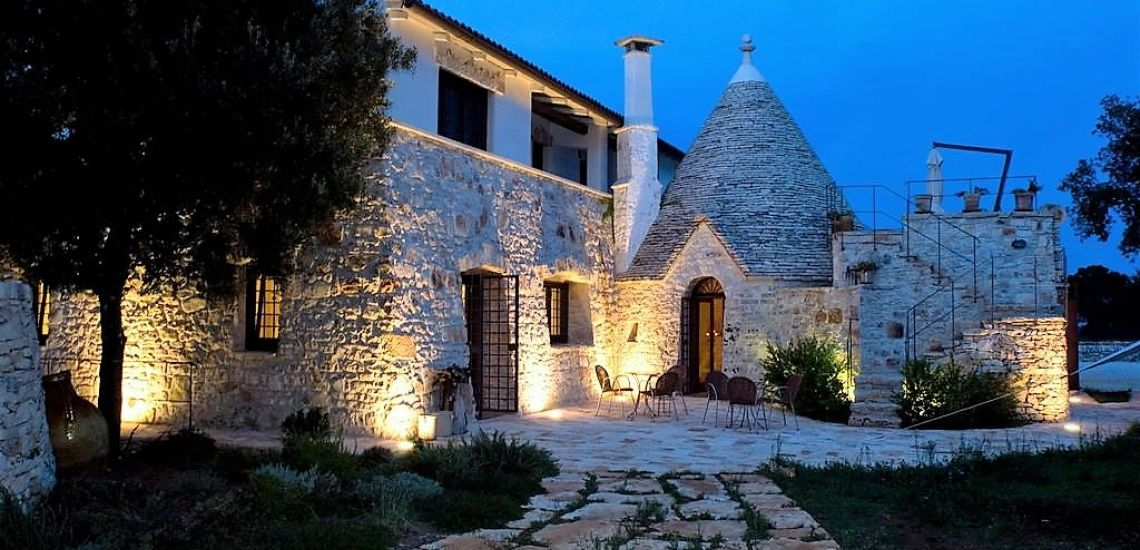 Masseria Iazzo Scagno pand by night