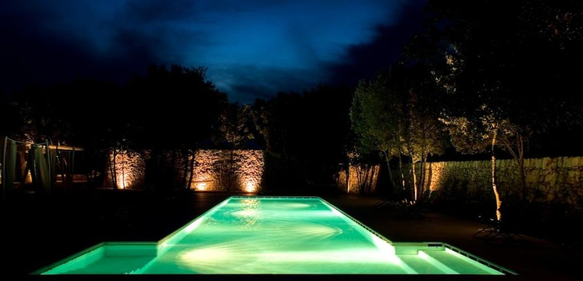 Masseria Iazzo Scagno zwembad by night