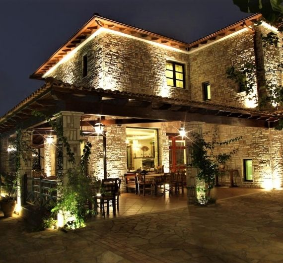 Bacchus hotel by night