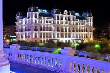 Gran Hotel Sardinero pand by night